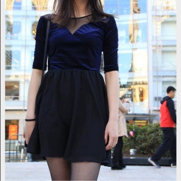 H&M Dresses & Skirts - Velvet dress Sz 4